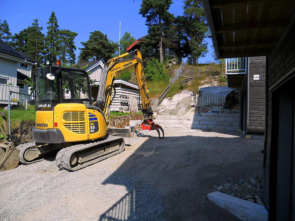 Stabling av 30x30 granittmur på Skogholtveien 30 i Oslo 2013